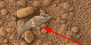 Object in Mars Curiosity Photo Close Up Color HD