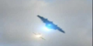 UFO chased by Air Force *AMAZING FOOTAGE*