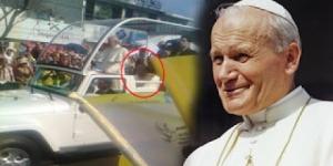 Czy duch Jana Pawła II podróżuje z Papieżem Franciszkiem po Meksyku ?