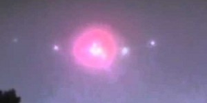 MASSIVE UFO caught on film over Southern California , March 14th, 2012