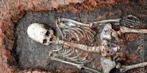 В окрестностях Аркаима найден скелет древнего кочевника с яйцеголовым черепом