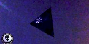 SHOCKING NEW FOOTAGE OF ALIEN SHIP OVER CHICAGO! BEST UFO SIGHTING MAY 2015