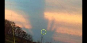 Strange Skies In Kentucky: These Are Not Regular Chemtrails,.. What Are They?